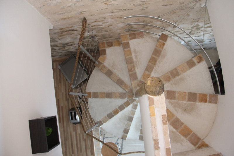 apd04lim1 - escalier en étoile
