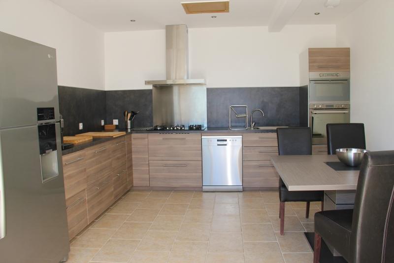 apd30est1- location de vacances avec grande cuisine equipee