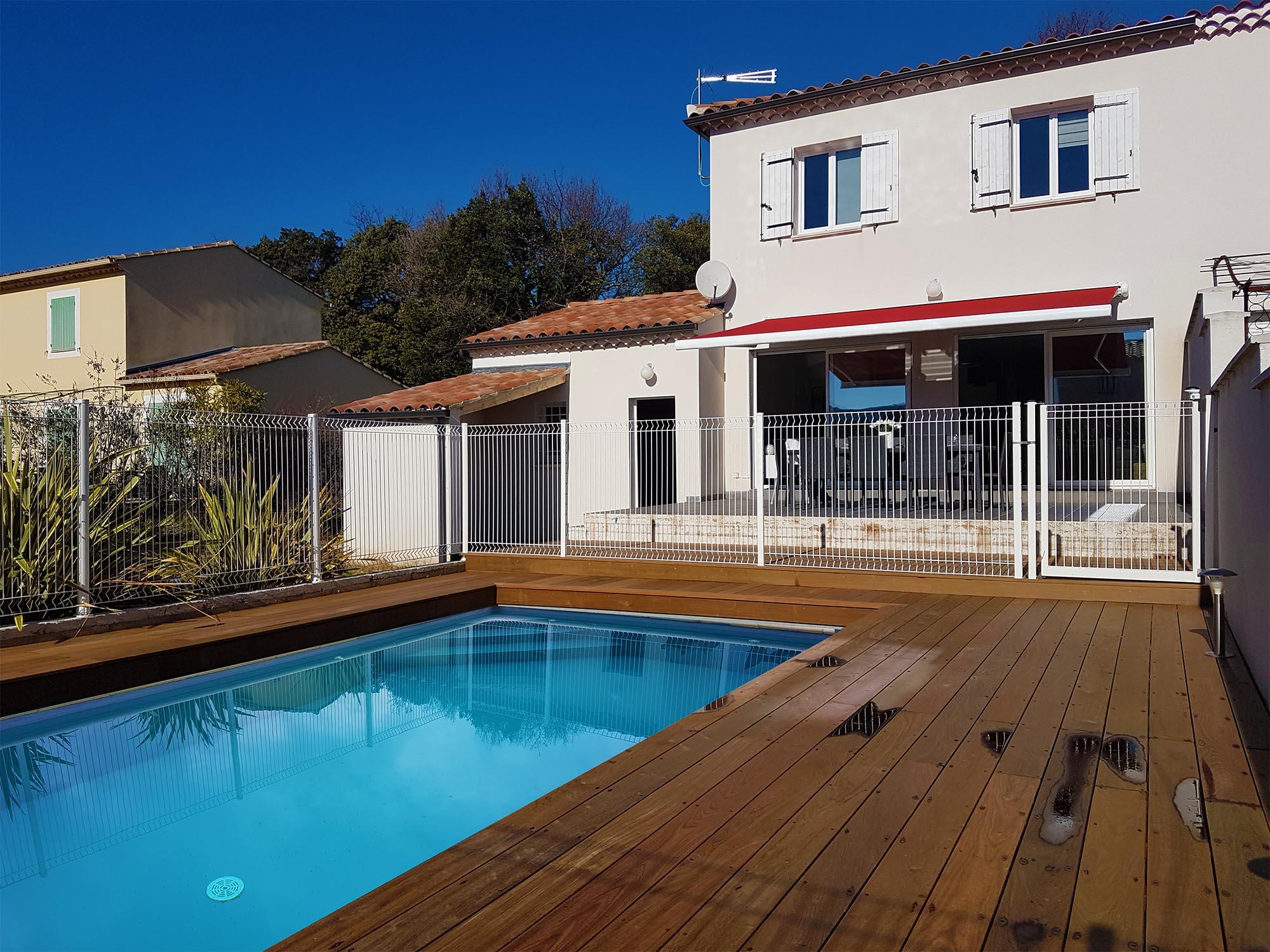 Apd30lir villa 3 chambres avec piscine chauff e alpes for Photo maison avec piscine
