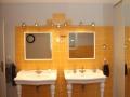 apd04sau1-salle de bain avec douche et baignoire