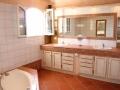 apd04smo1-grande salle de bain lumineuse