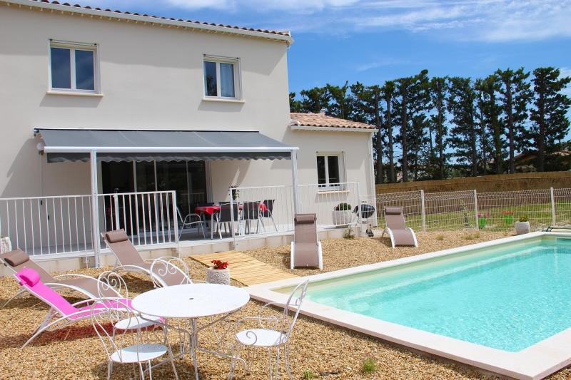 apd30roc2-villa moderne avec piscine